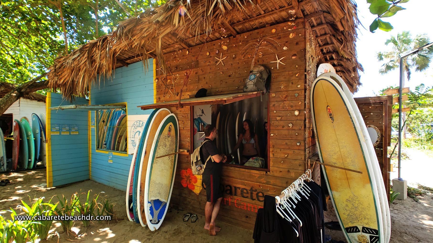 A surf school in Encuentro