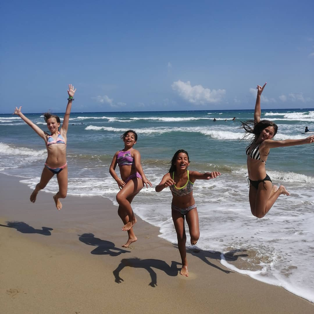 kids play at Encuentro Beach