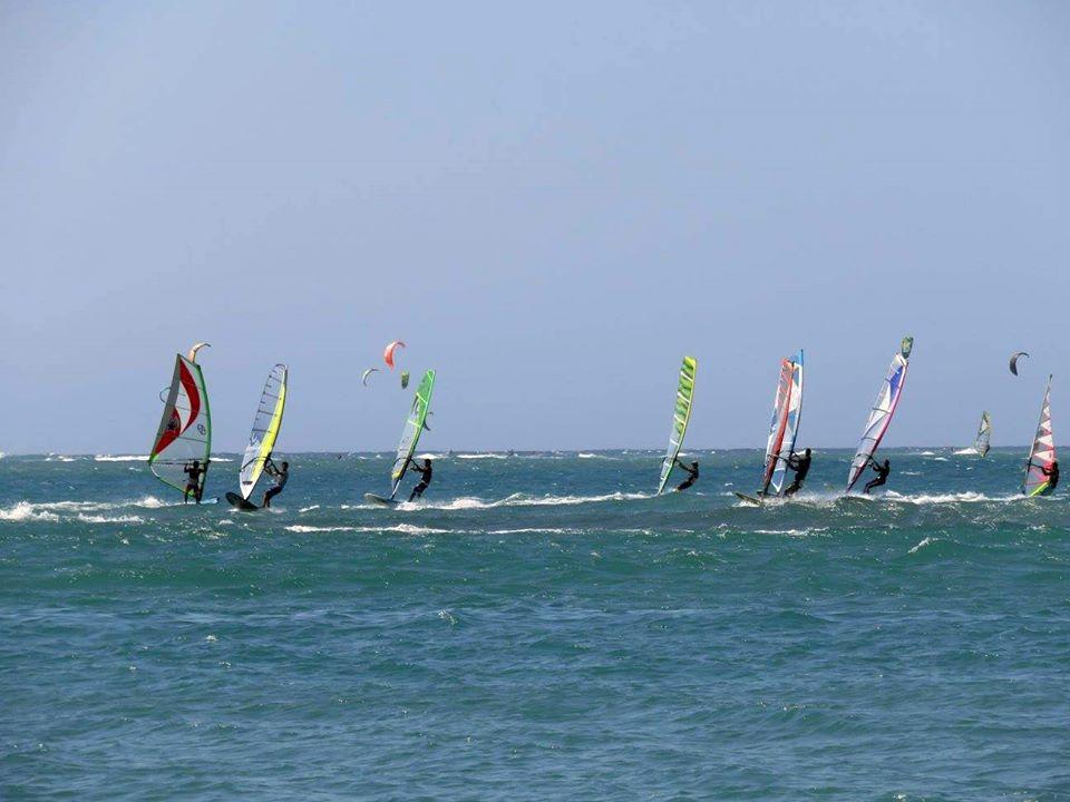 windsurfers cabarete bay